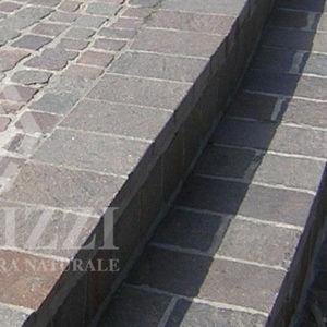 bordura da giardino / per marciapiede / di protezione / in porfido
