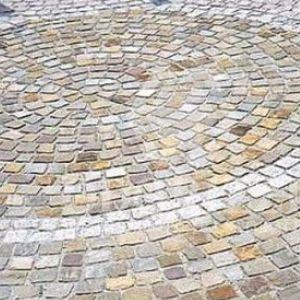 pavimentazione in gres / per pedoni / per spazio pubblico