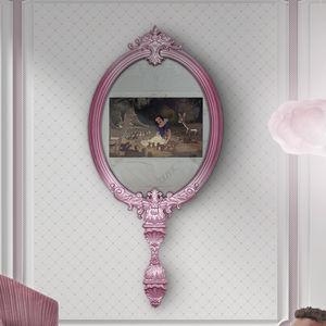 TV a specchio a muro