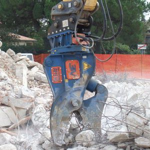 pinza demolitrice idraulica