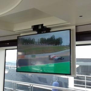supporto per TV da soffitto motorizzato a soffitto