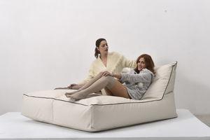 poltrona a sacco moderna / in Sunbrella® / impermeabile / sfoderabile