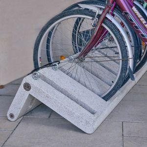 rastrelliera per biciclette in calcestruzzo fibrorinfrozato