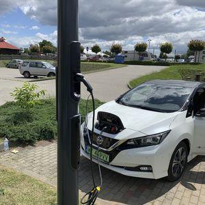 stazione di ricarica per automobile elettrica