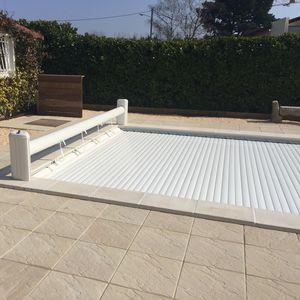 persiane per piscine / avvolgibili / a lamelle / su misura