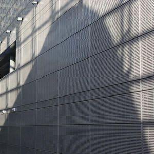 rivestimento di facciata in pannelli / in alluminio / in acciaio / perforato