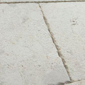 pavimentazione in pietra calcarea / per pedoni / anticata / per spazio pubblico