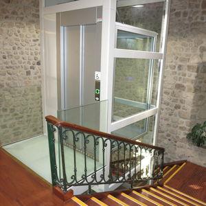 ascensore idraulico / ad uso residenziale / senza locale macchine / panoramico