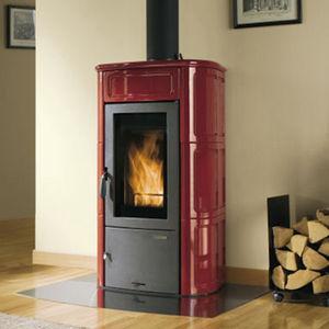 stufa a legna / in maiolica / tradizionale / con forno