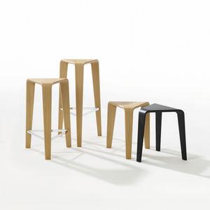 sgabello da bar moderno / in quercia / in legno compensato / in legno curvato