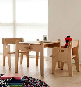 tavolo moderno / in legno / per bambini (unisex) / di Hans J. Wegner