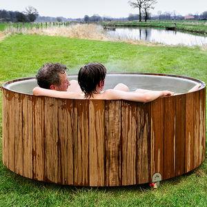vasca per bagni caldi all'aperto in fibra di vetro / in acciaio inossidabile / legno / per uso residenziale
