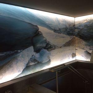 parete tesa con motivo stampato / retroilluminata