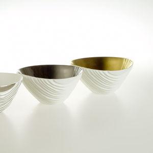 ciotola in porcellana / fatta a mano / moderna / per uso residenziale