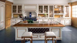 cucina in stile / in legno massiccio / con isola / laccata
