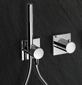 set doccia da parete / moderno / per hotel / per ospedale