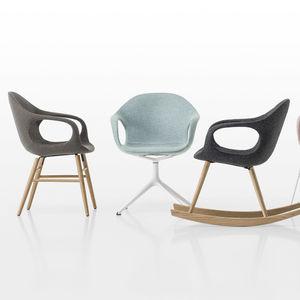 sedia design scandinavo / imbottita / con braccioli / a slitta