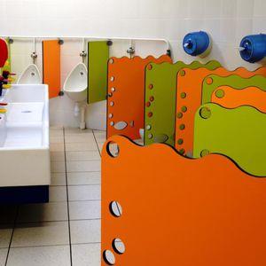 parete divisoria per orinatoio per scuola materna
