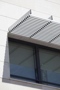 frangisole in alluminio / per facciata / orizzontale / rigido