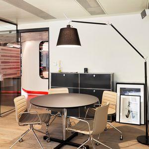 Tavolino Con Zampe Di Gallina.Tavolo Tondo Tavolo Circolare Tutti I Produttori Del Design E