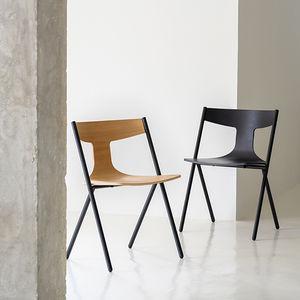 sedia moderna / impilabile / in quercia / in legno compensato