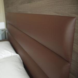 testiera per letto matrimoniale / moderna / in pelle / per camera d'hotel