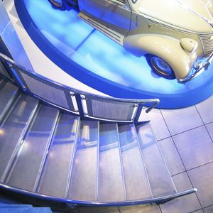 rivestimento per scalino in metallo