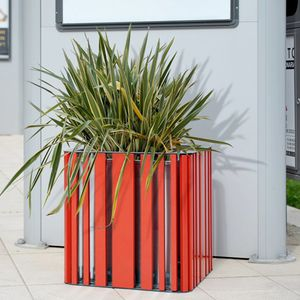 fioriera in legno / in acciaio galvanizzato / quadrata / moderna