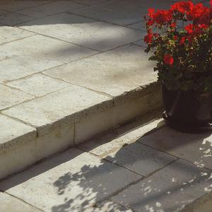 lastricato in pietra ricostituita / da esterno