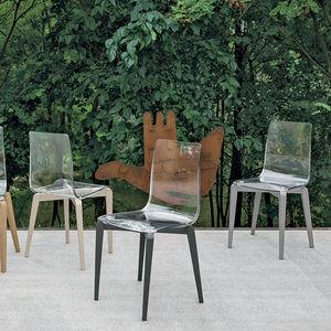 sedia moderna / in legno dipinto / in policarbonato / trasparente