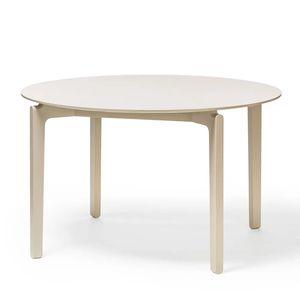 tavolo in stile scandinavo