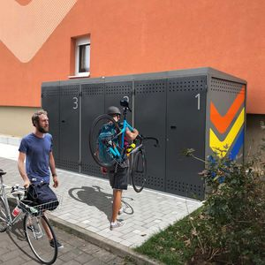 pensilina per biciclette sicura
