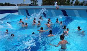 piscina interrata / in calcestruzzo / per parco acquatico / a onde