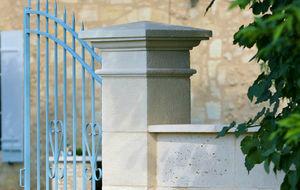 pilastro per recinzione in pietra ricostituita