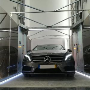 ascensore per auto idraulico