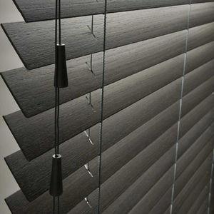 tende da sole veneziane / in legno / contract