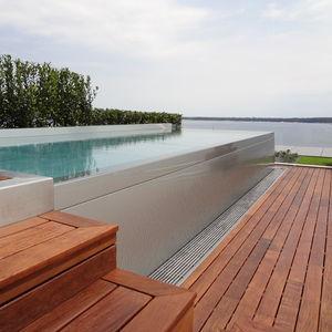 piscina monoblocco