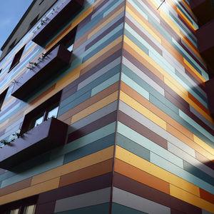 rivestimento di facciata in pannelli / di basalto / in composito / liscio