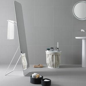 specchio da bagno da terra