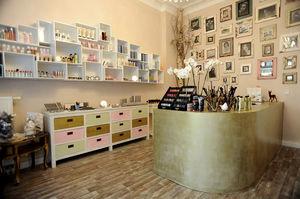 scaffalatura per negozio / standard / in legno