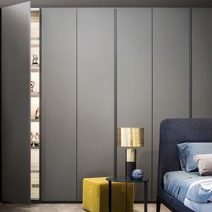 armadio con sistema di sanificazione dell'aria / da parete / modulare / moderno
