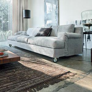 divano moderno / in tessuto / 3 posti / con rotelle