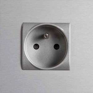 presa di corrente / da parete / in alluminio / moderna