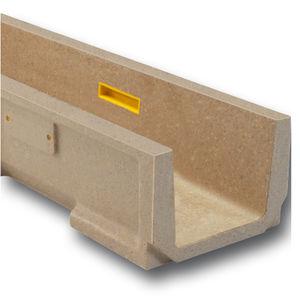 canaletta in calcestruzzo a polimeri / con griglie / per spazio pubblico / di recupero acque meteoriche
