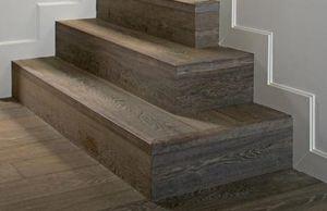 rivestimento per scalino in legno