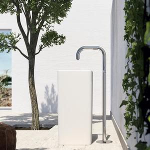 miscelatore per lavabo / a pavimento / in acciaio inossidabile / da esterno