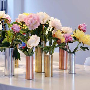 vaso moderno / in rame / in alluminio / in maiolica