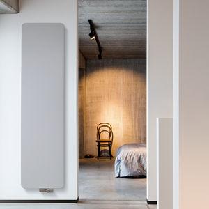 radiatore ad acqua calda / in alluminio / in rame / moderno