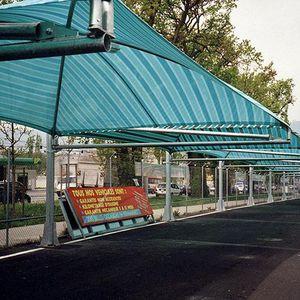 tettoia per posto-auto in acciaio