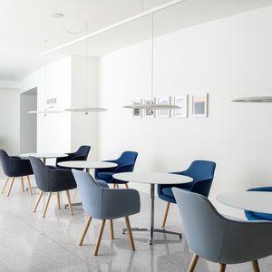 sedia visitatore moderna / imbottita / in tessuto / per uso residenziale